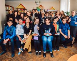 Mariupol's schoolchildren got acquainted with the work of Stephen Hawking
