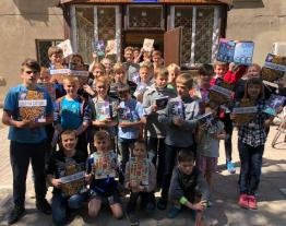 Twenty five educational establishments for children in the Eastern part of Ukraine received books from LuckyBooks